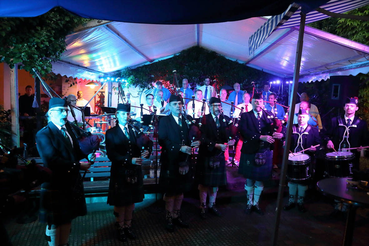 Swinging Funfares & Rhine Area Pipes & Drums